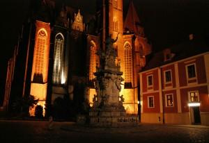 Pomnik Św. Jana Nepomucena nocą