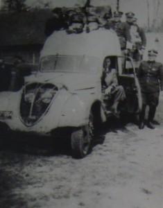 Peugeot przejęty od sierocińca w 1947 roku.