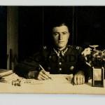 Mojemu najlepszemu żołnierzowi Kapral (nieczytelne) 1 Października 1938