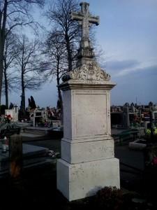 Grób Wandy z Biernackich Dąmbskiej na cmentarzu parafialnym w Liskowie