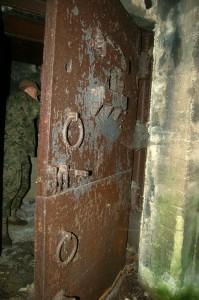 dwudzielne pancerne drzwi