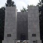 Mauthausen_pomnik2