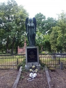 Różne ujęcia grobu Heleny Modro.