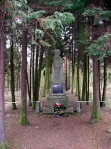 Pomnik w Gołuchowie