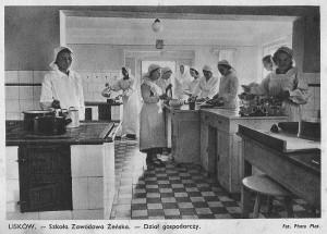 Szkoła Zawodowa Żeńska - Dział gospodarczy